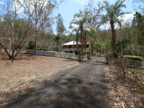172 Outlook Drive Esk, QLD 4312