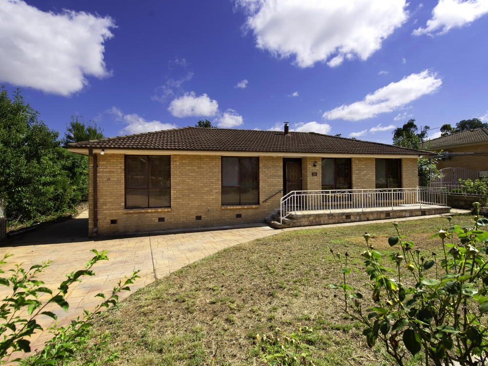 19 Dalley Crescent Latham, ACT 2615
