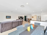 10/2 Ridgeline Way Highland Park, QLD 4211