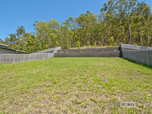 33 Summit Parade Bahrs Scrub, QLD 4207
