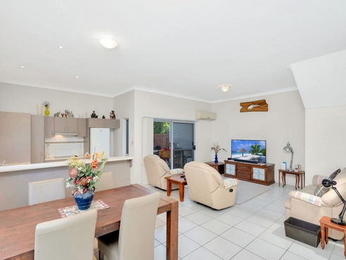 21/2 Toohey Street Pacific Pines, QLD 4211