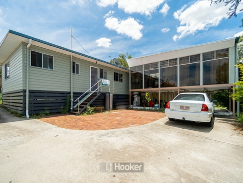 93 Conifer Street Hillcrest, QLD 4118