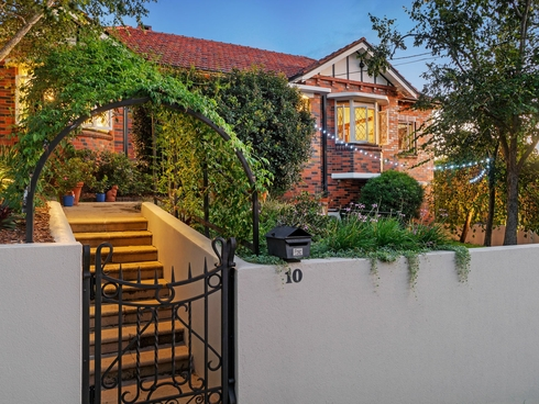 10 Fairfield Street Annerley, QLD 4103