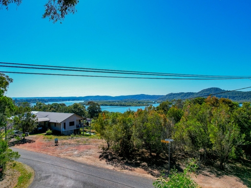 6 Opal Court Russell Island, QLD 4184