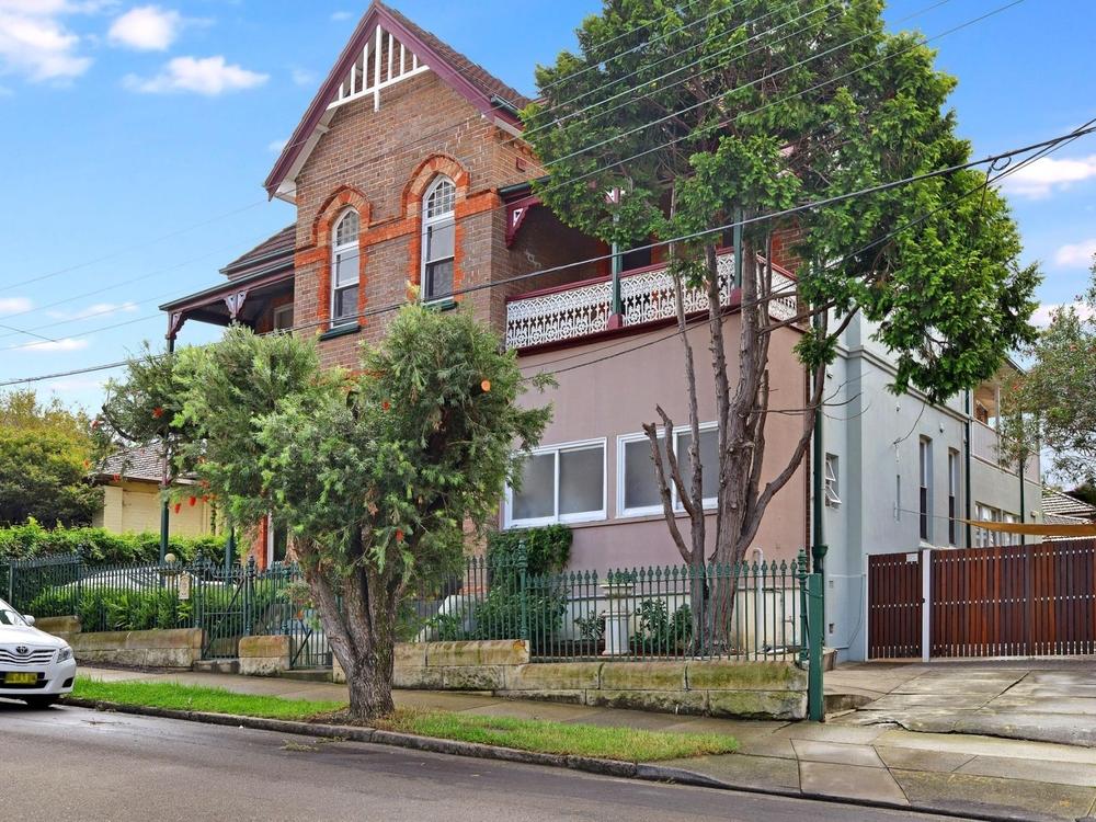 1/1 Gladstone Street Burwood, NSW 2134