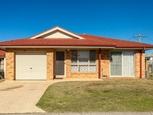 2/12 Chidgey Street Cessnock, NSW 2325