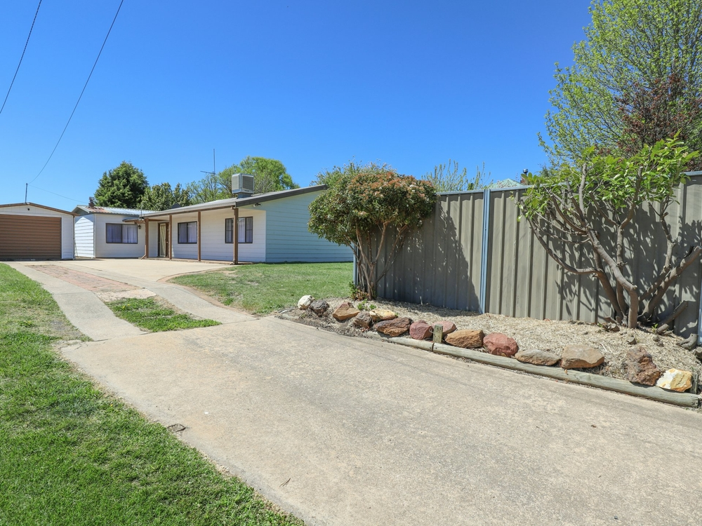 15 Scotia Avenue Oberon, NSW 2787