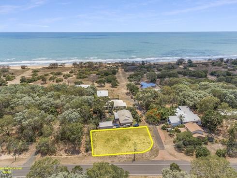 1 Kurrawa Court Moore Park Beach, QLD 4670