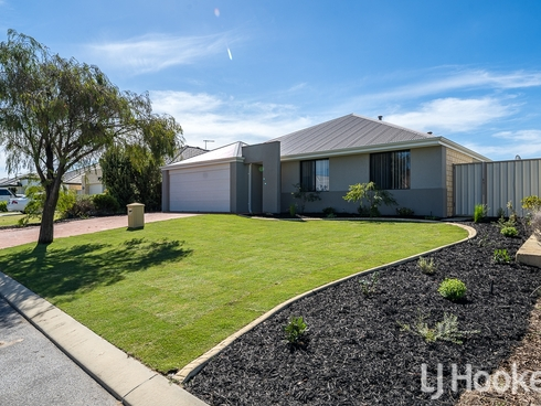 16 Carcione Avenue Secret Harbour, WA 6173