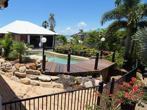 1 Leslie Lane South Mission Beach, QLD 4852