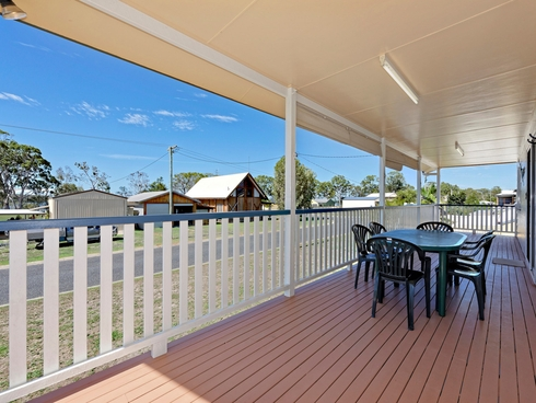 10 Island View Drive Winfield, QLD 4670