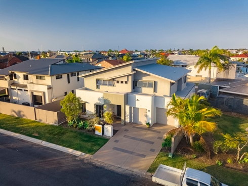 2/19 Anchorage Drive Raby Bay, QLD 4163