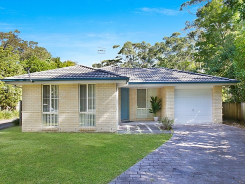 Villa 1/1 East Close Hawks Nest, NSW 2324