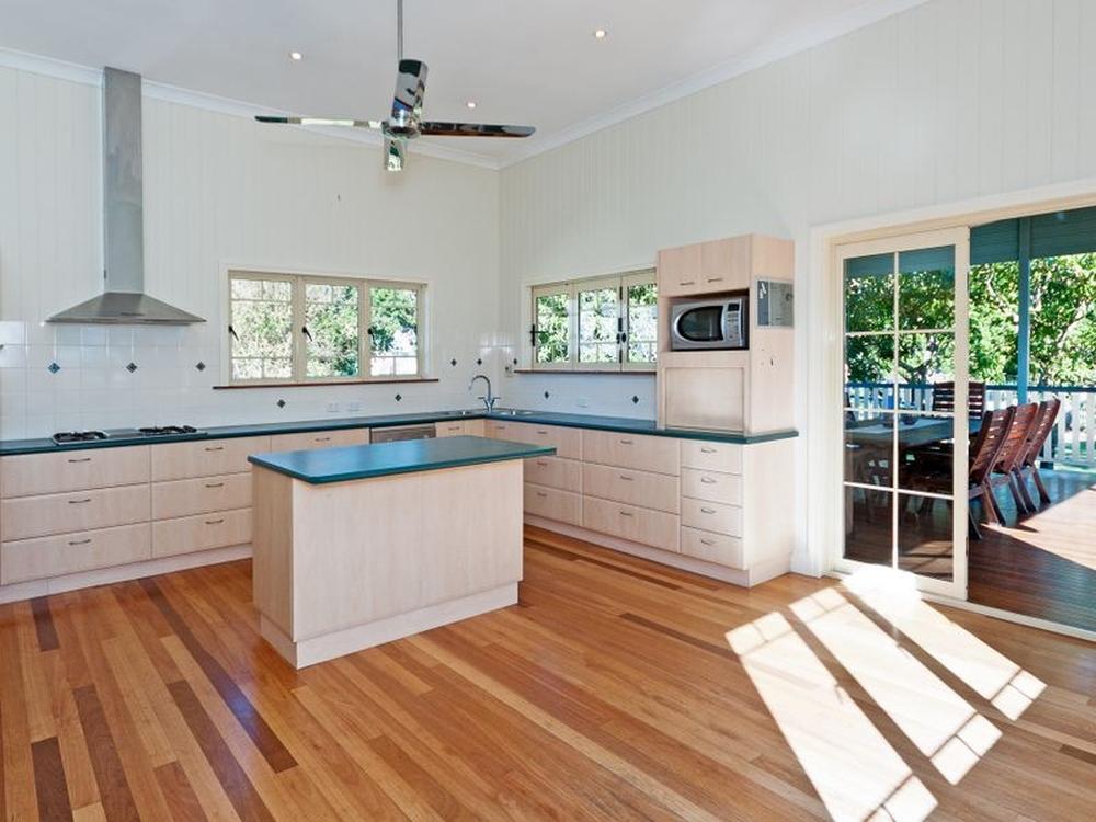13 Cairnscroft Street Toogoolawah, QLD 4313