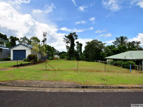 14 Parmeter Street Tully, QLD 4854