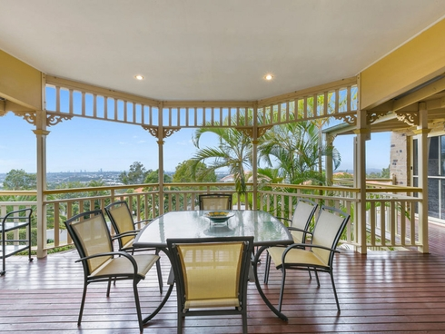 81 Armstrong Way Highland Park, QLD 4211