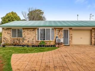 2/3 Quinlan Court Darling Heights , QLD, 4350