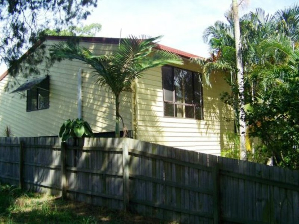 12 Alexander Street Macleay Island, QLD 4184