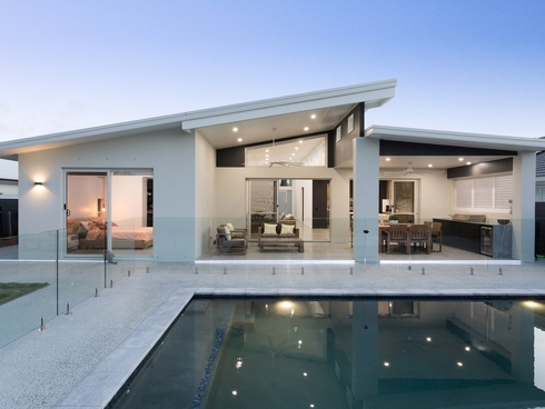 49 The Peninsula Helensvale, QLD 4212