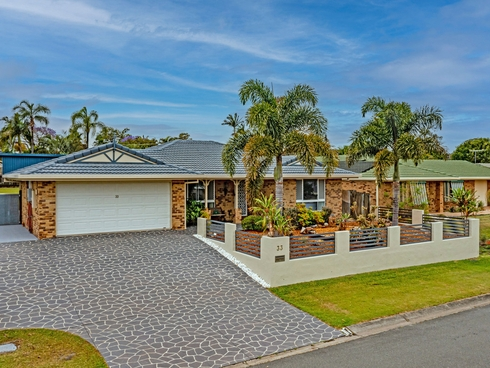 33 Gardenia Drive Birkdale, QLD 4159