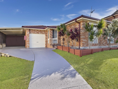 2 Molly Close Bateau Bay, NSW 2261