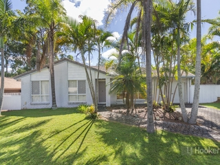 6 Weldon Court Hillcrest , QLD, 4118