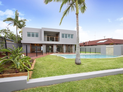 106 Salerno Street Isle Of Capri, QLD 4217