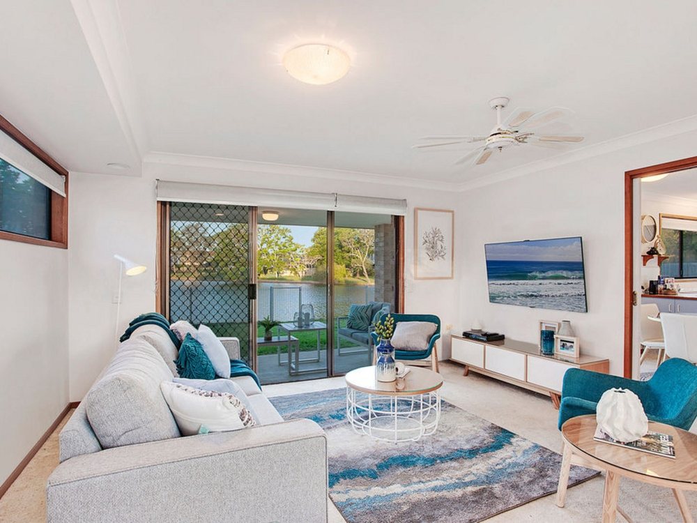 19 Tahiti Avenue Palm Beach, QLD 4221