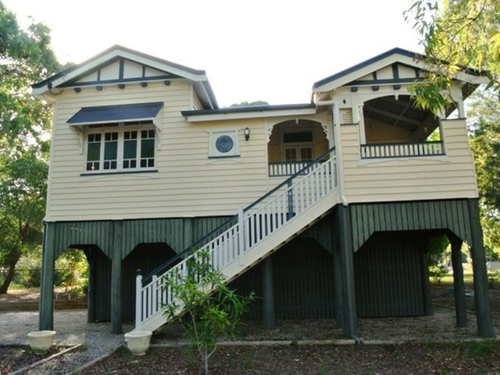6 Blue Bay Macleay Island, QLD 4184
