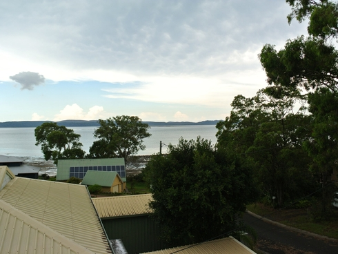 27 Oomool Street Macleay Island, QLD 4184