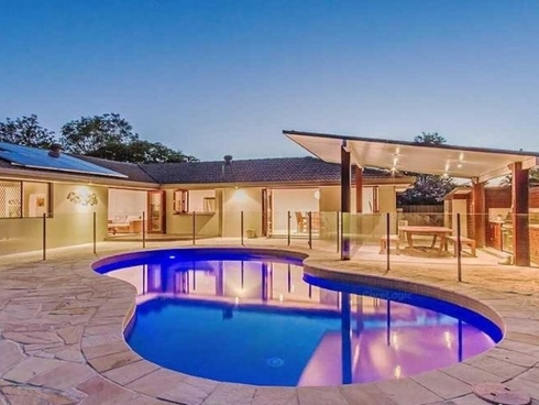 91 Barrier Reef Drive Mermaid Waters, QLD 4218