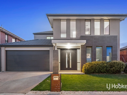 274 Saltwater Promenade Point Cook, VIC 3030