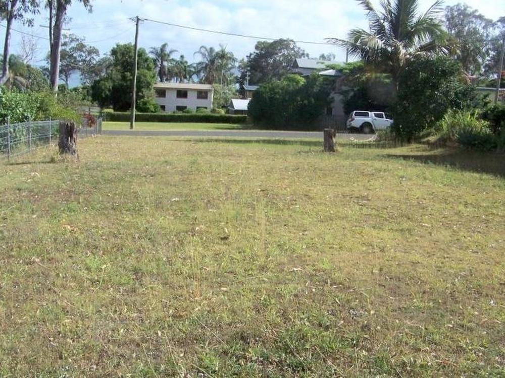 15 Shelly Crescent Lamb Island, QLD 4184