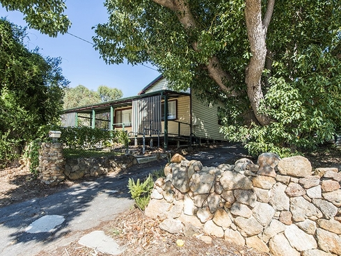 33 Marriott Road Boya, WA 6056