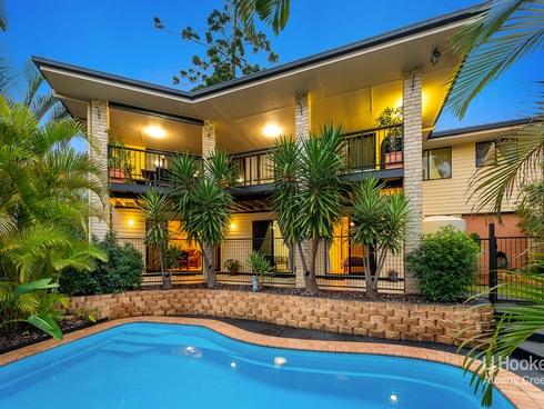 15 Hoop Pine Place Bridgeman Downs, QLD 4035