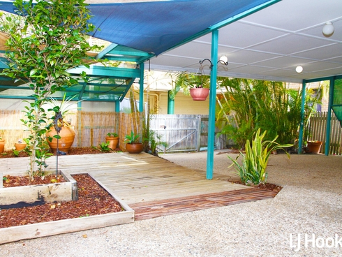 26 Landsborough Avenue Scarborough, QLD 4020