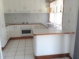 17 Curtis Avenue Boyne Island, QLD 4680
