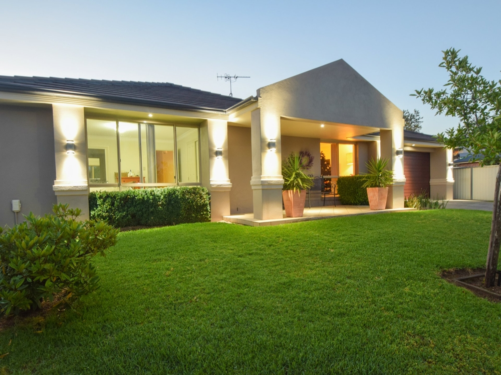 17 Hayden Place Young, NSW 2594