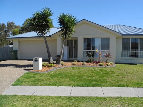 52 Corrimal place Sandstone Point, QLD 4511
