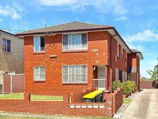 2/37 King Georges Rd Wiley Park , NSW, 2195