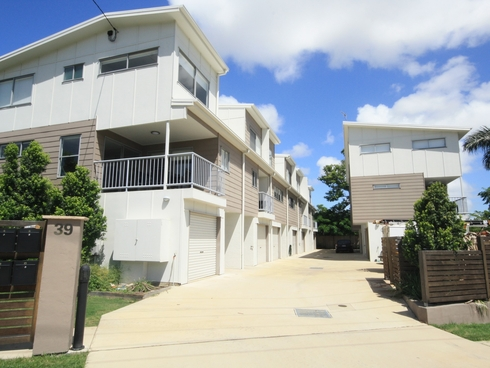 Unit 2/39 Scenery Street Gladstone Central, QLD 4680