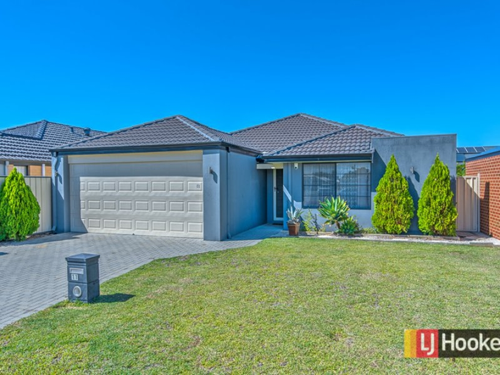 11 Dilabert Lane Wattle Grove, WA 6107
