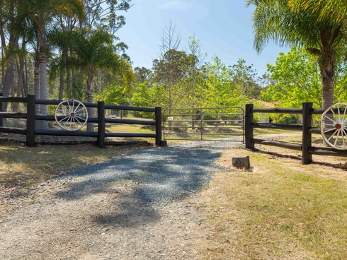 34 Collett Place Meringo, NSW 2537